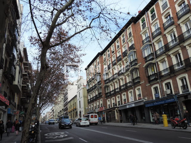 piso en alquiler en calle atocha cortes centro madrid