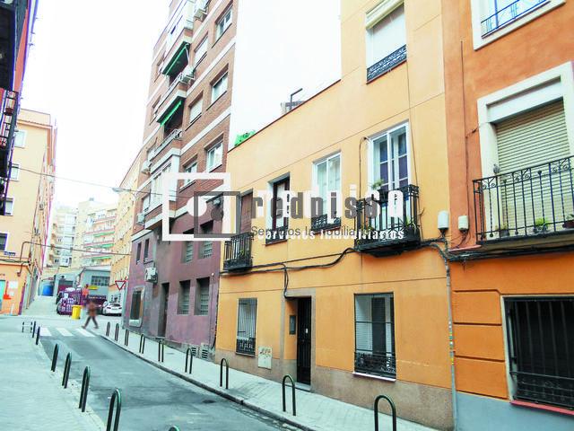 Piso en venta en calle mart n martinez ciudad jard n for Calle jardines madrid