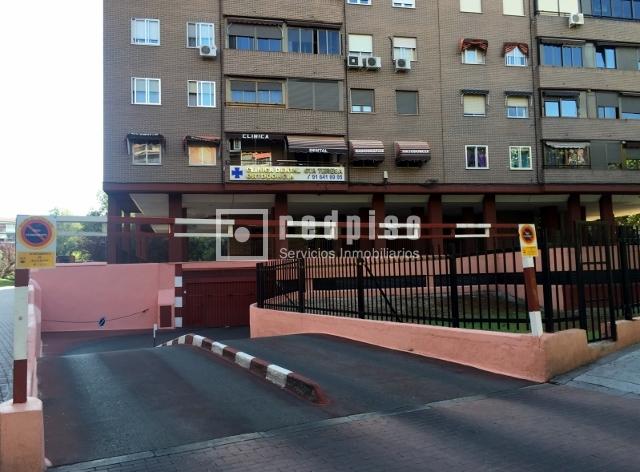Plaza de garaje en venta en calle los cantos alcorc n for Plaza de garaje madrid