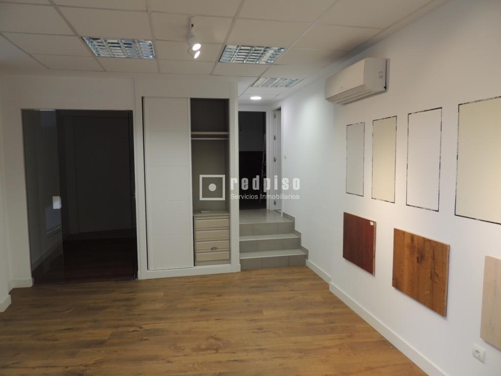 Oficina en alquiler en calle carmen montoya 19 almenara for Oficina madrid tetuan dni