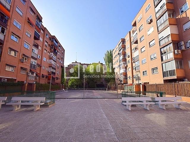 Piso en venta en calle fuentespina santa eugenia villa - Pisos en santa eugenia madrid ...