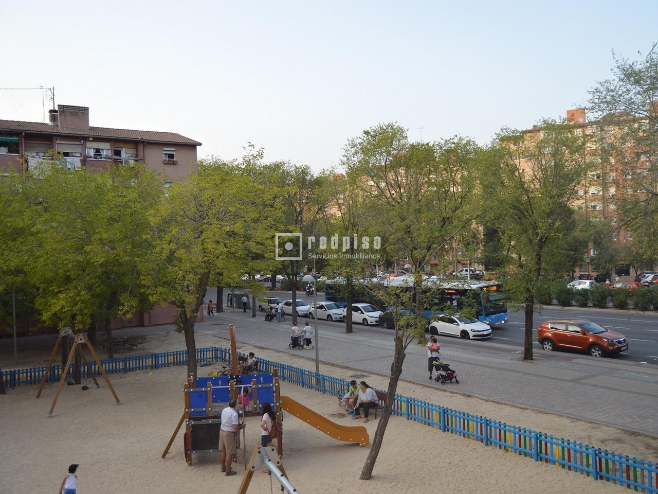 Piso en venta en calle gandhi pueblo nuevo ciudad lineal for Pisos en pueblo nuevo