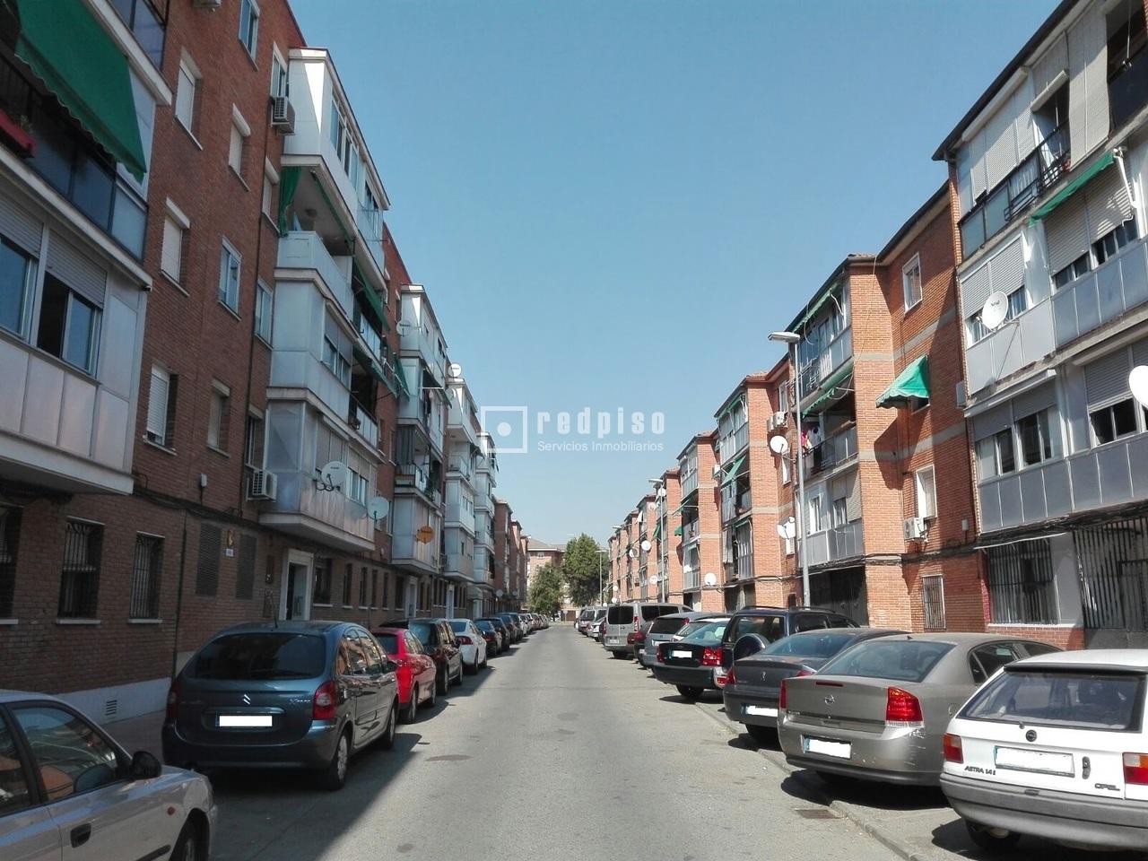 Piso en venta en calle san urbicio reyes cat licos for Pisos en calle alcala madrid