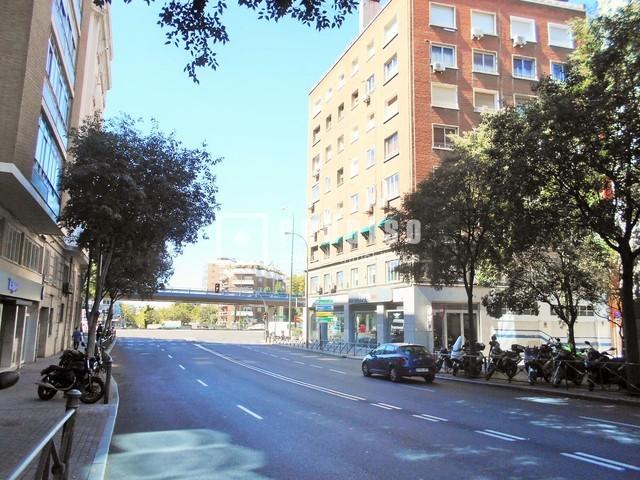 Plaza de garaje en venta en calle recaredo el viso for Plaza de garaje madrid