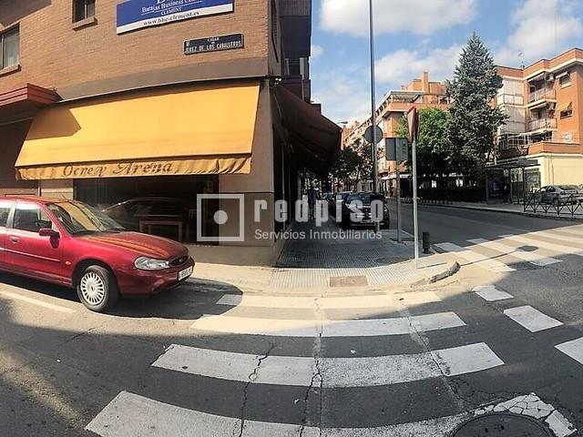 Plaza de garaje en venta en calle jerez de los caballeros for Calle prado jerez madrid