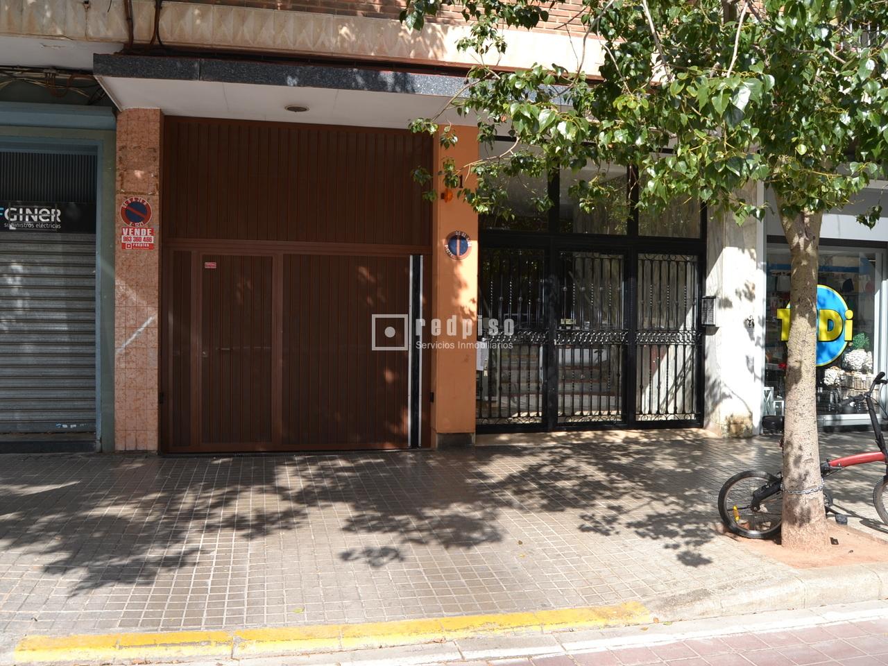 Plaza de garaje en venta en avenida de la plata 61 for Plaza garaje valencia