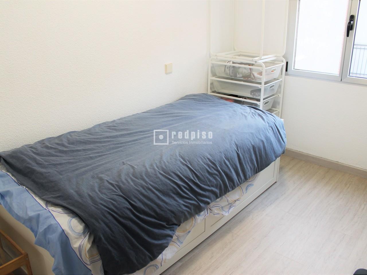 Piso en venta en calle salas de barbadillo pueblo nuevo for Pisos en pueblo nuevo madrid
