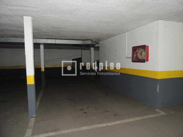 Plaza de garaje en venta en monte perdido puente de for Plaza de garaje madrid